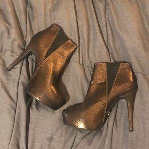 Rock & Republic Gold Metallic High Heel Short Boot